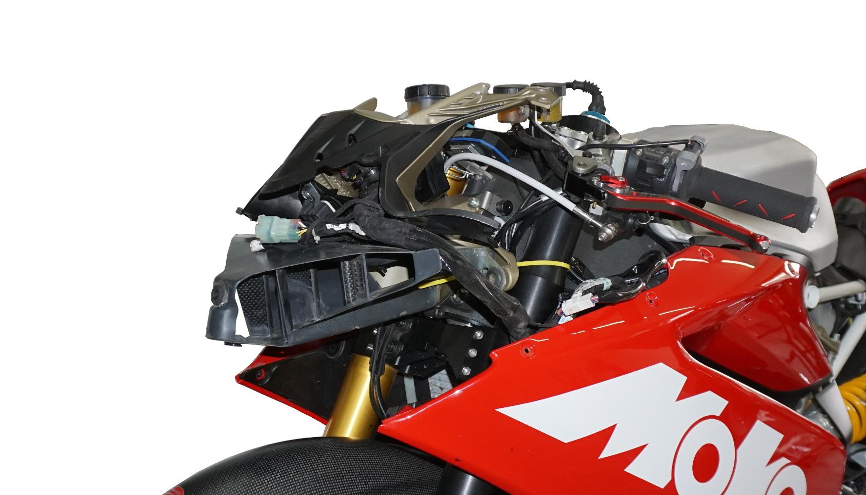 Lufteinlass Moko Ducati Panigale montiert 08.002.13